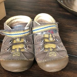Stride Rite baby shoes size 6
